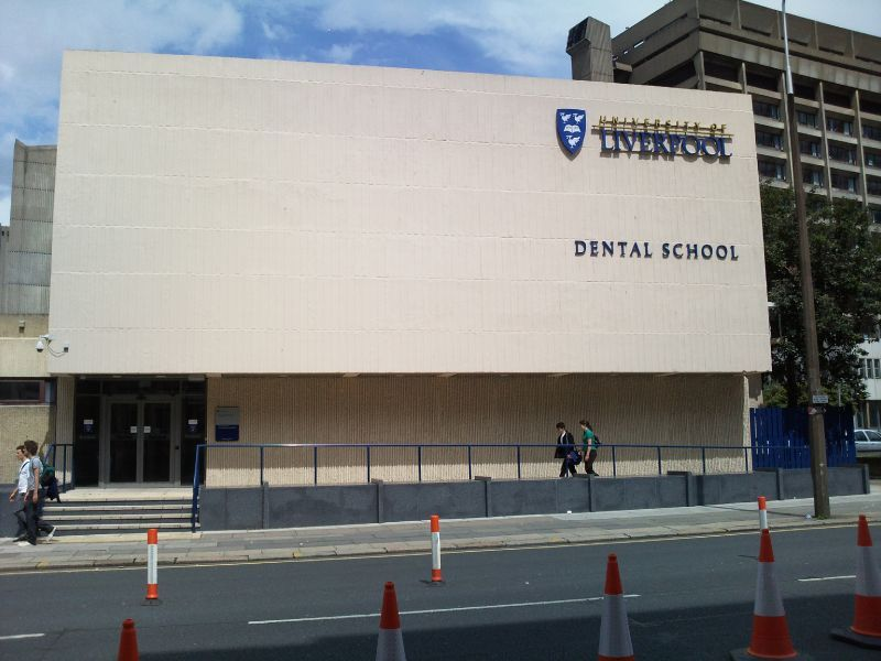 dd_201809251108_main_dental_school_building_university_of_liverpool_school_of_dentistry_2009.jpg