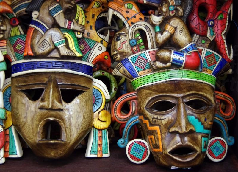 md_201904252127_mexico_masks.jpg